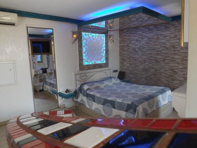 Habitación Jacuzzi en Hotel Trinidad 0476 : MotelNow