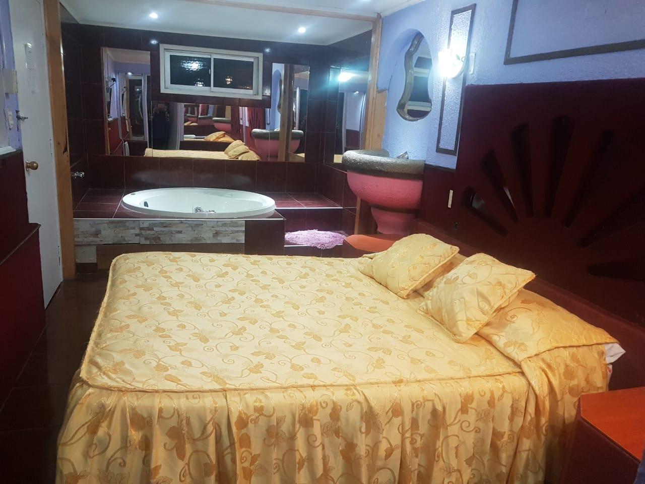 Habitación Jacuzzi en Hotel Santo Domingo : MotelNow