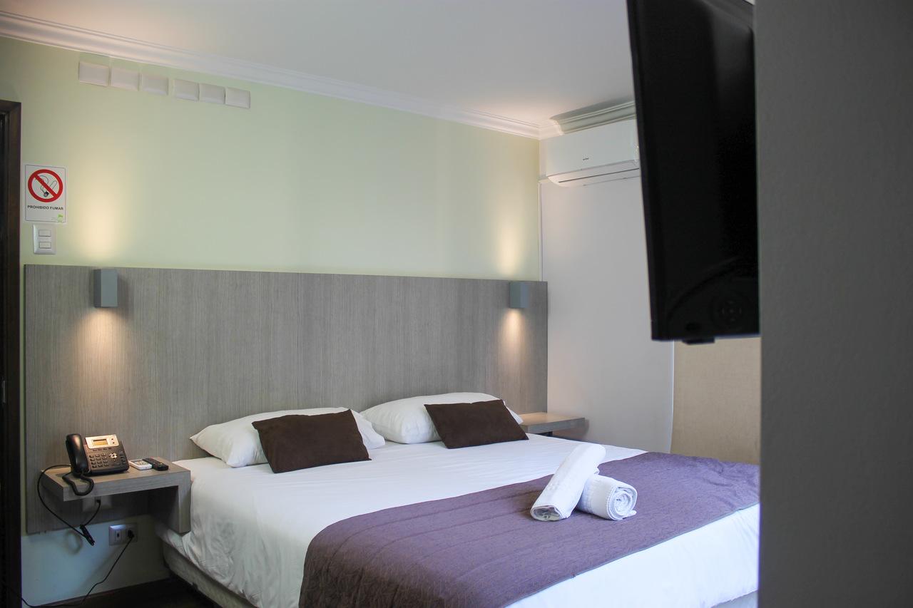 Habitación Matrimonial en Hotel Elisa Cole : MotelNow
