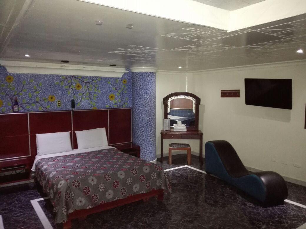 Habitación Jacuzzi en Luna Llena : MotelNow