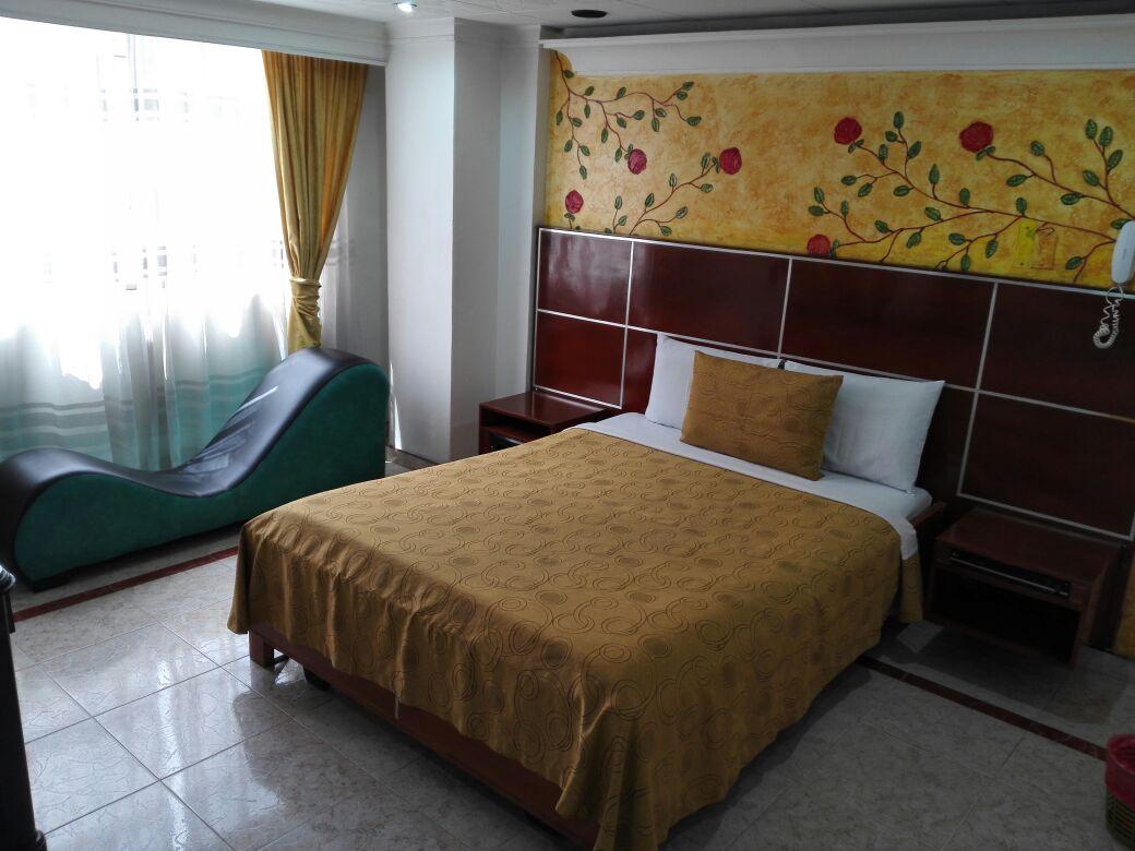 Habitación Sauna y Jacuzzi en Luna Llena : MotelNow