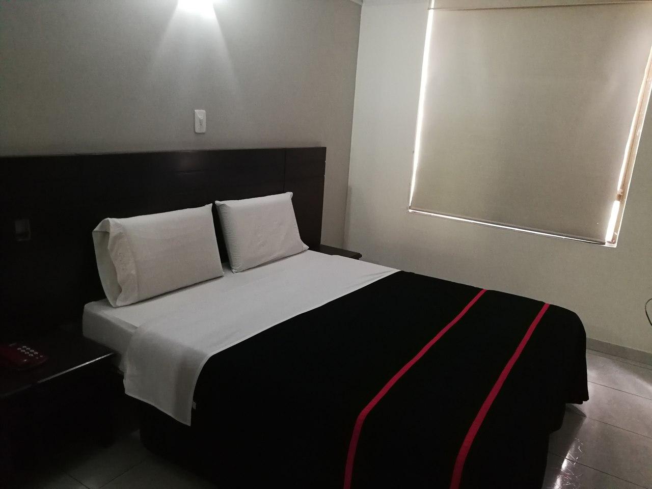 Habitación Suite Jacuzzi en Rialto : MotelNow