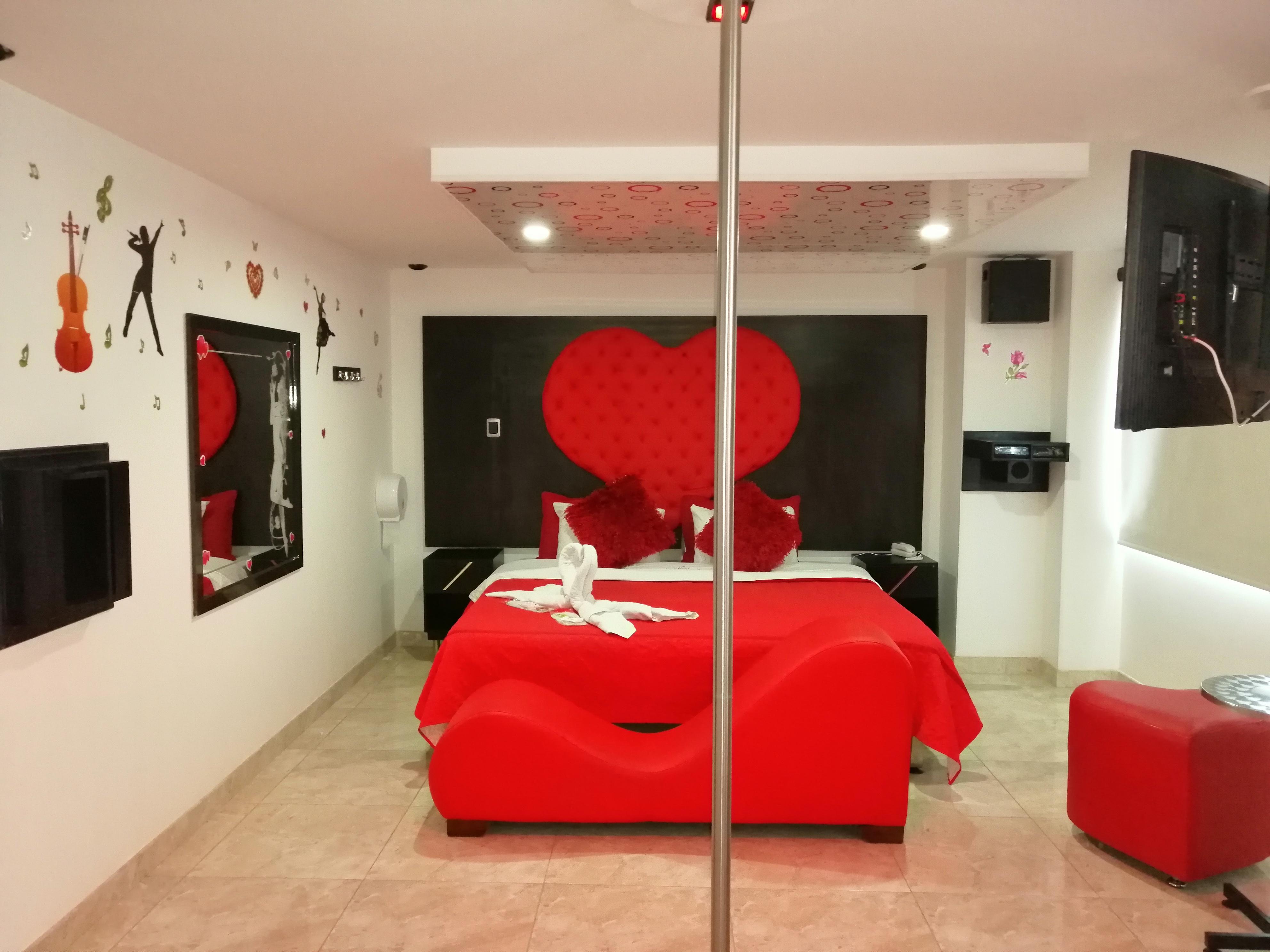 Habitación Suite Romantica en VIP Hollywood : MotelNow