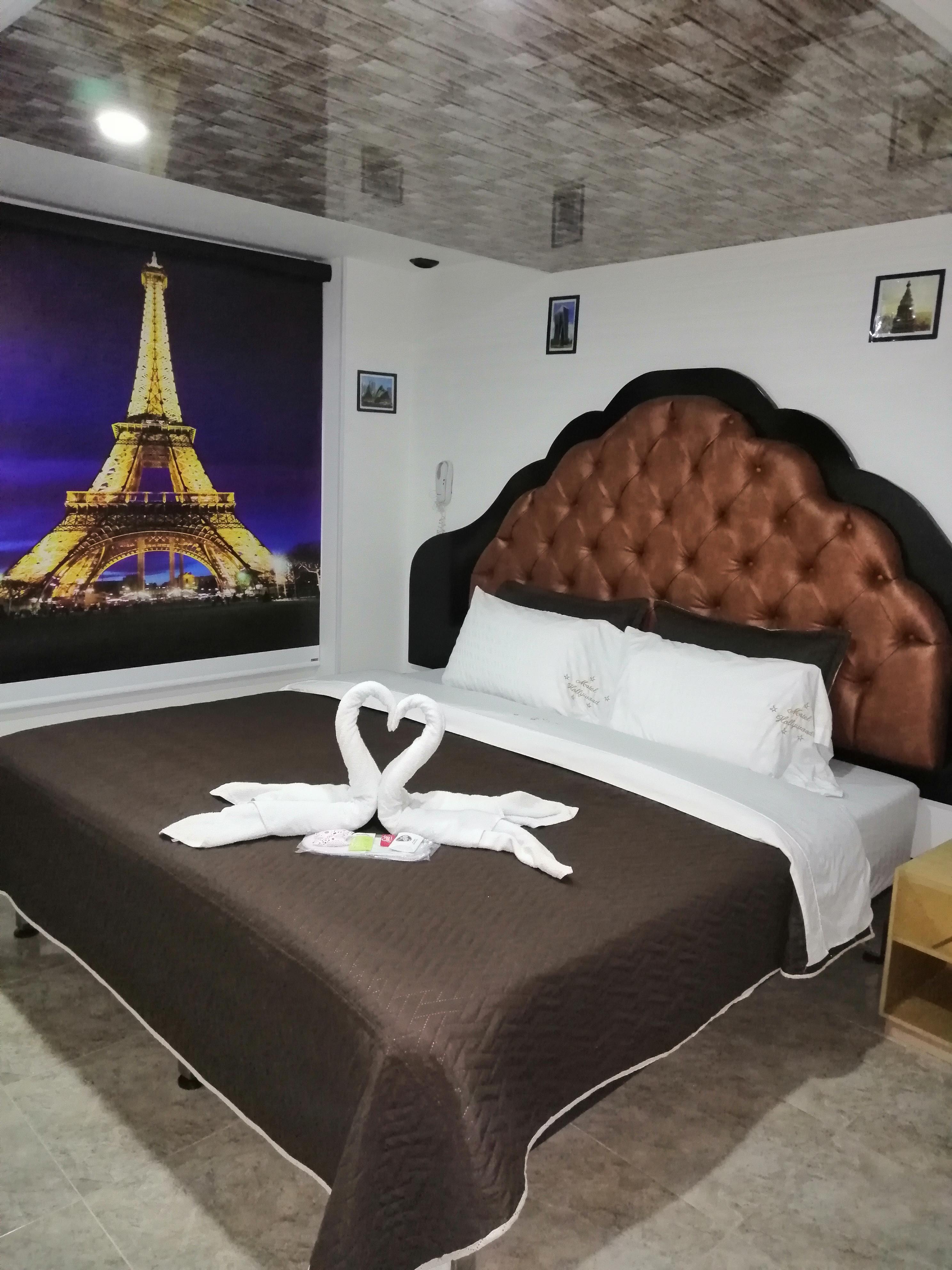 Habitación Suite Paris en VIP Hollywood : MotelNow