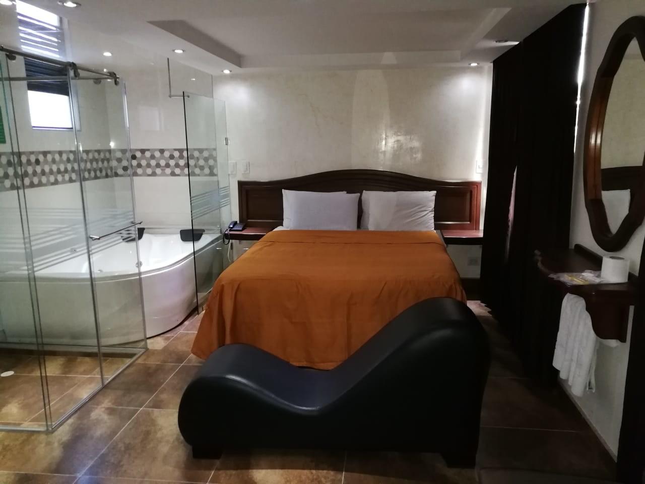 Habitación Jacuzzi y Diván del Amor en Amoblados El Romance : MotelNow