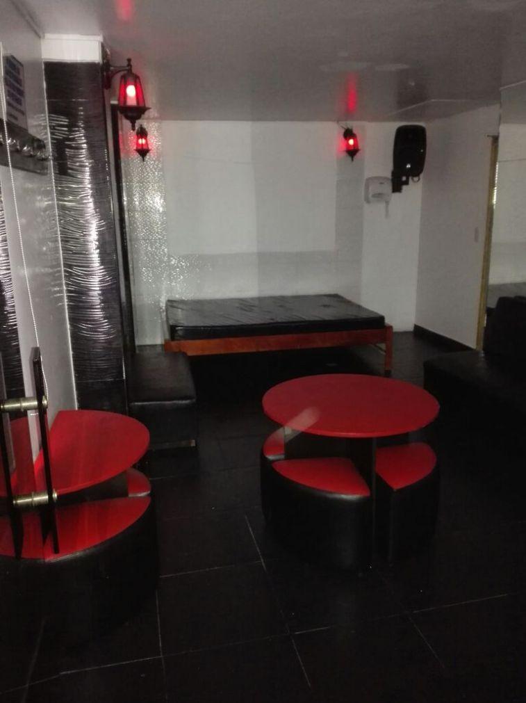 Habitación Swinger mixto precio mujer en Costa Dorada : MotelNow
