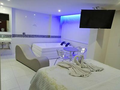 Habitación Jacuzzi en Fantasías Suite : MotelNow