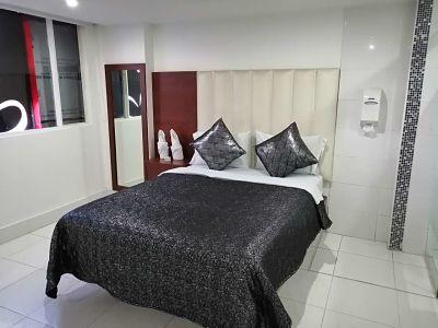 Habitación Sauna en Fantasías Suite : MotelNow