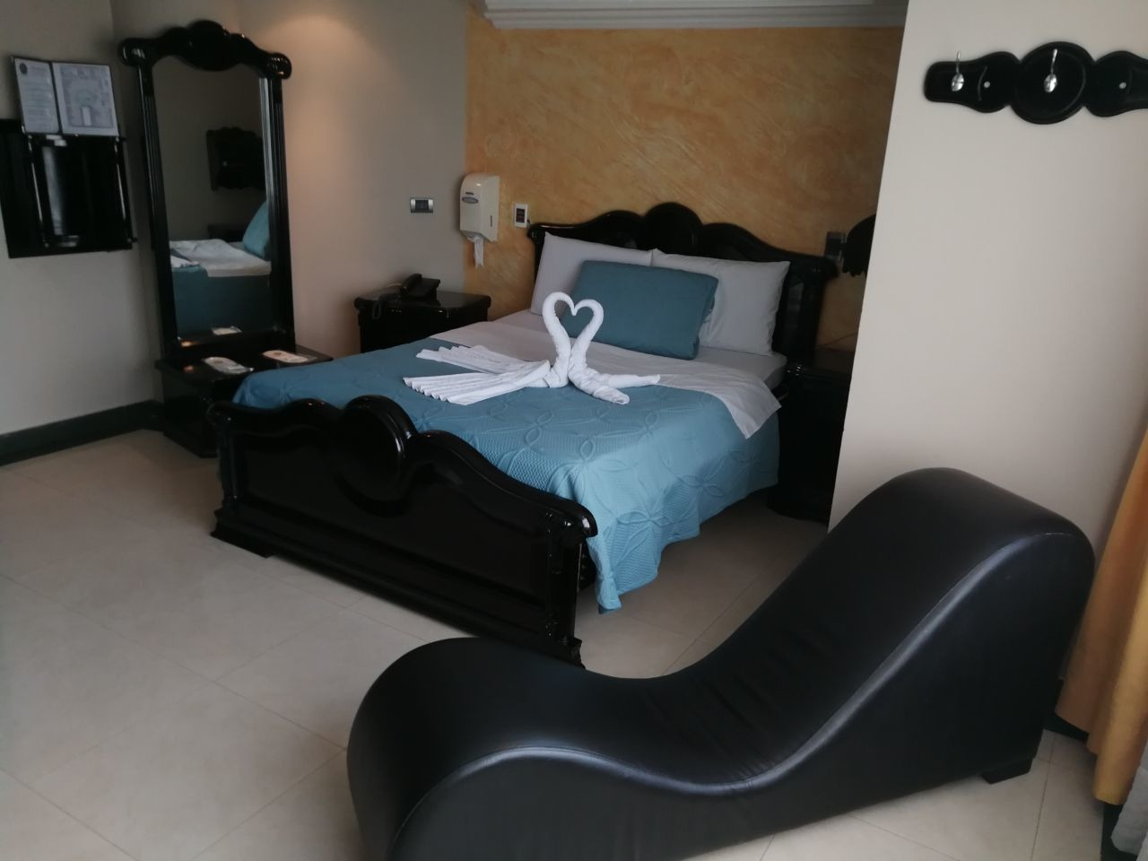 Habitación Jacuzzi en Manhattan : MotelNow