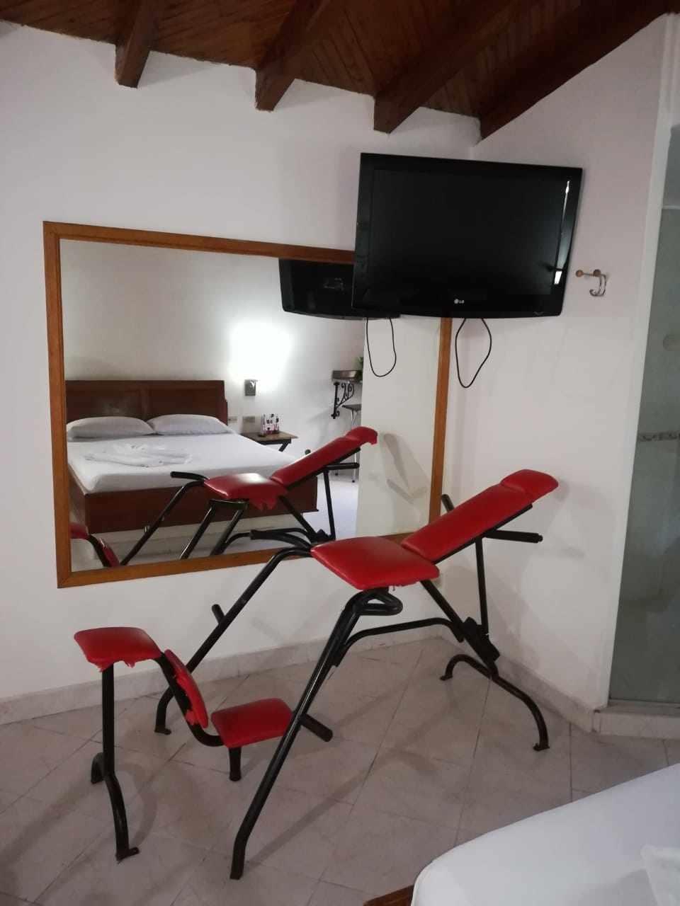 Habitación Sencilla con garaje en La Isla : MotelNow