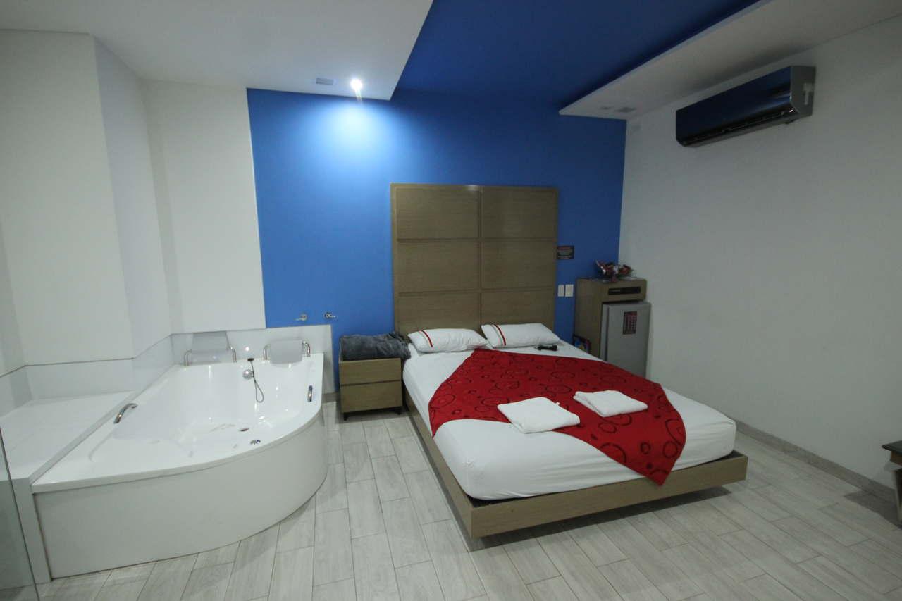 Habitación Suite Jacuzzi en Golden Suites : MotelNow