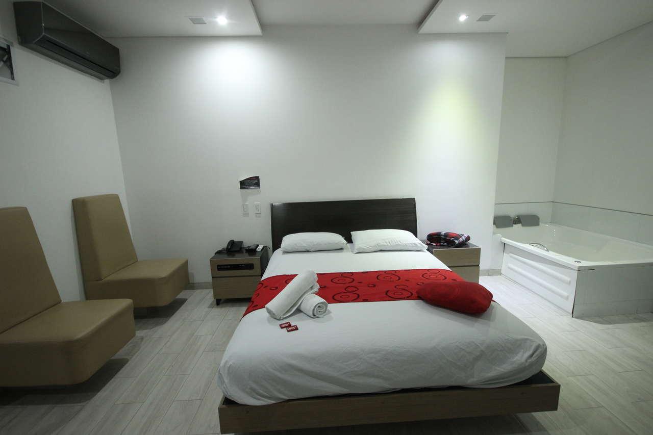 Habitación Suite Bañera en Golden Suites : MotelNow