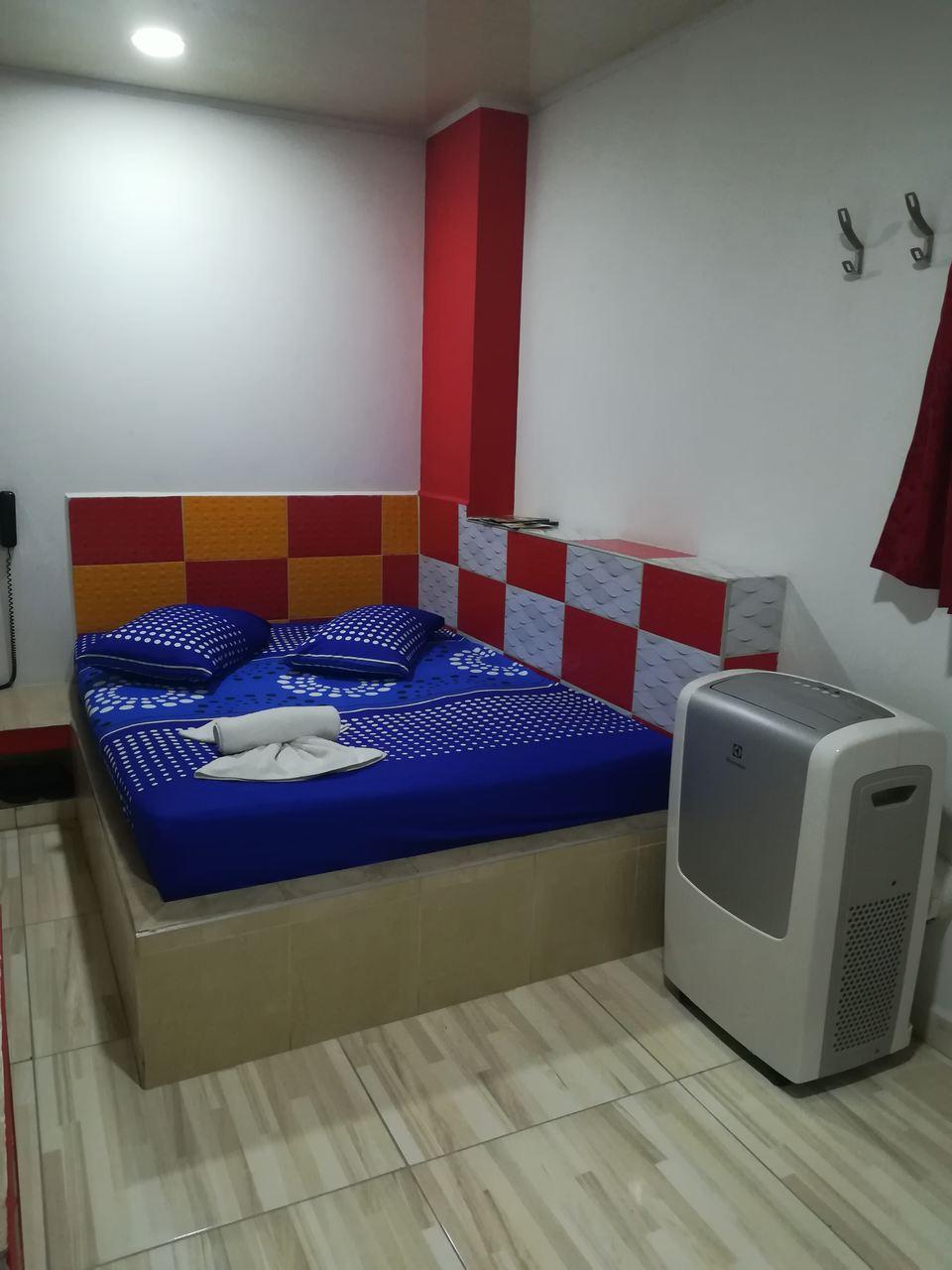 Habitación Habitación con Aire y Bañera en Boston Real II : MotelNow