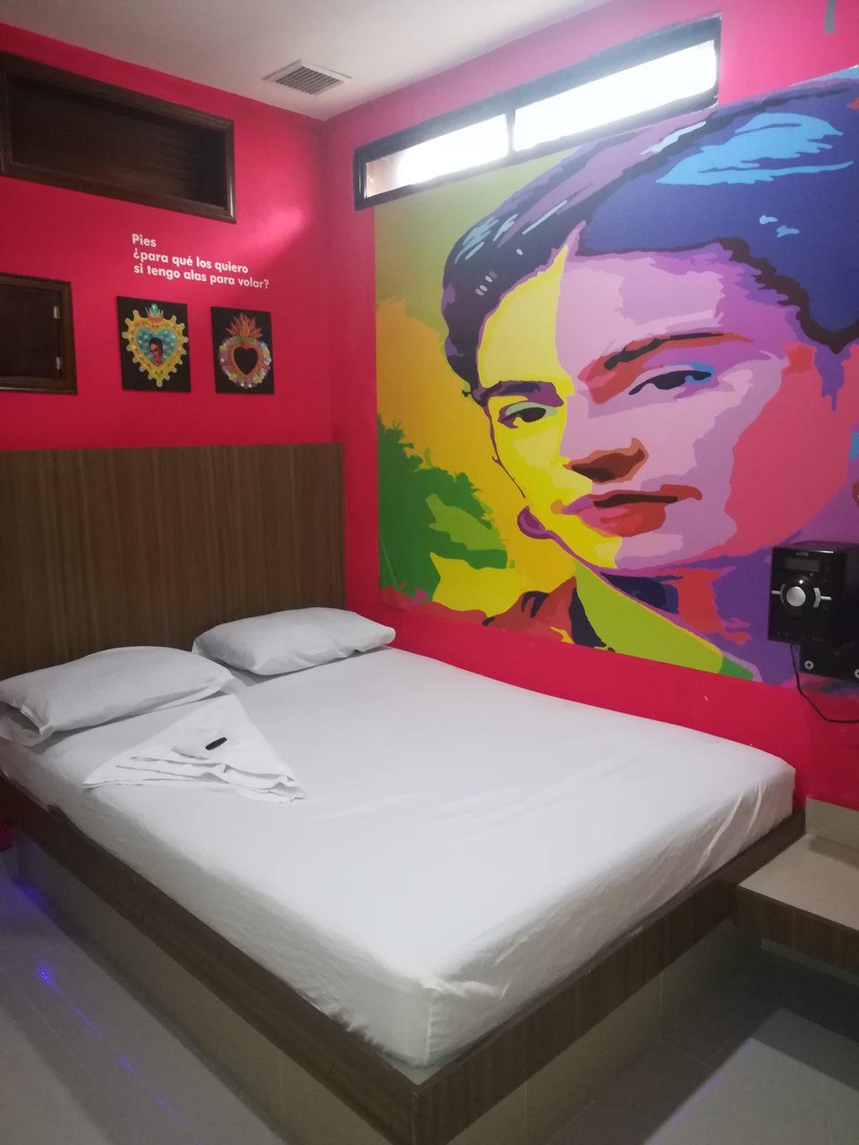 Habitación Sencilla en Milán Suite : MotelNow