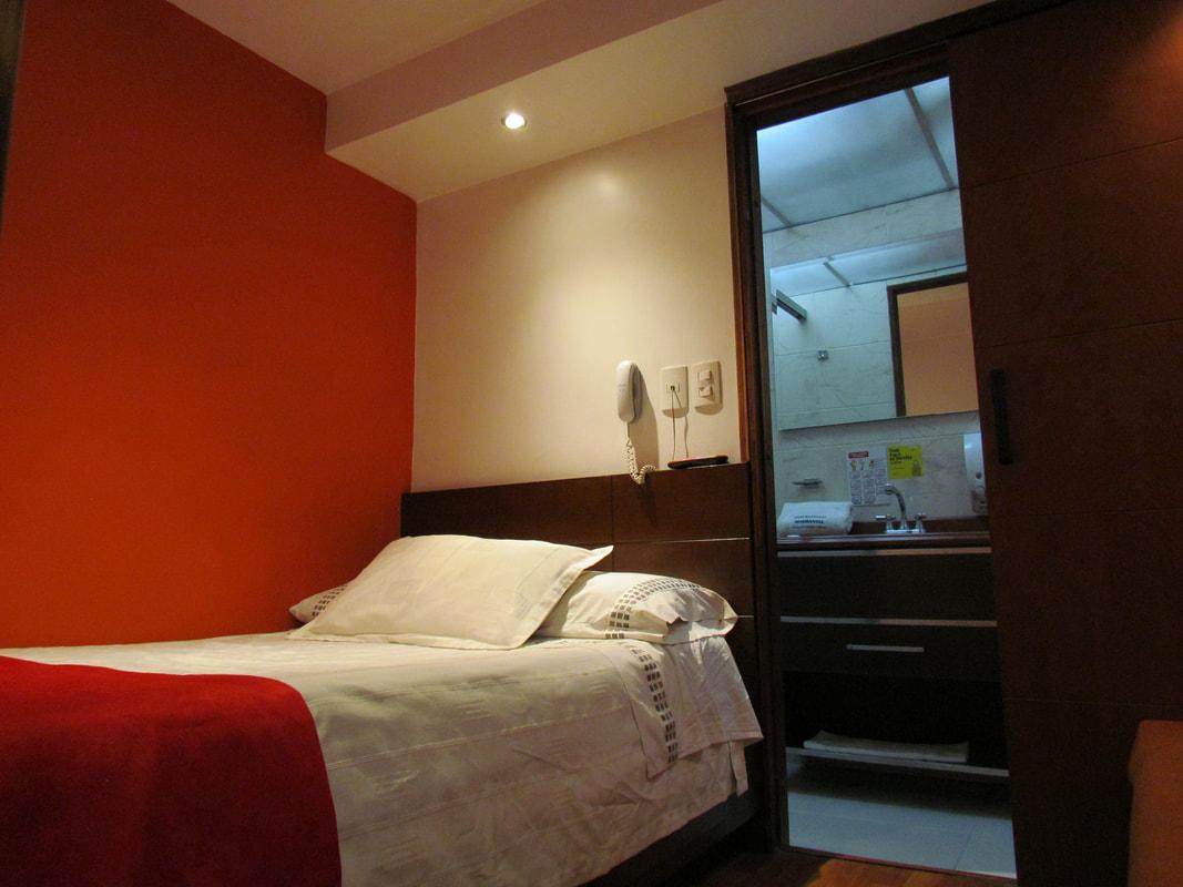 Habitación Twin en Hotel Apartasuite Normandia : MotelNow