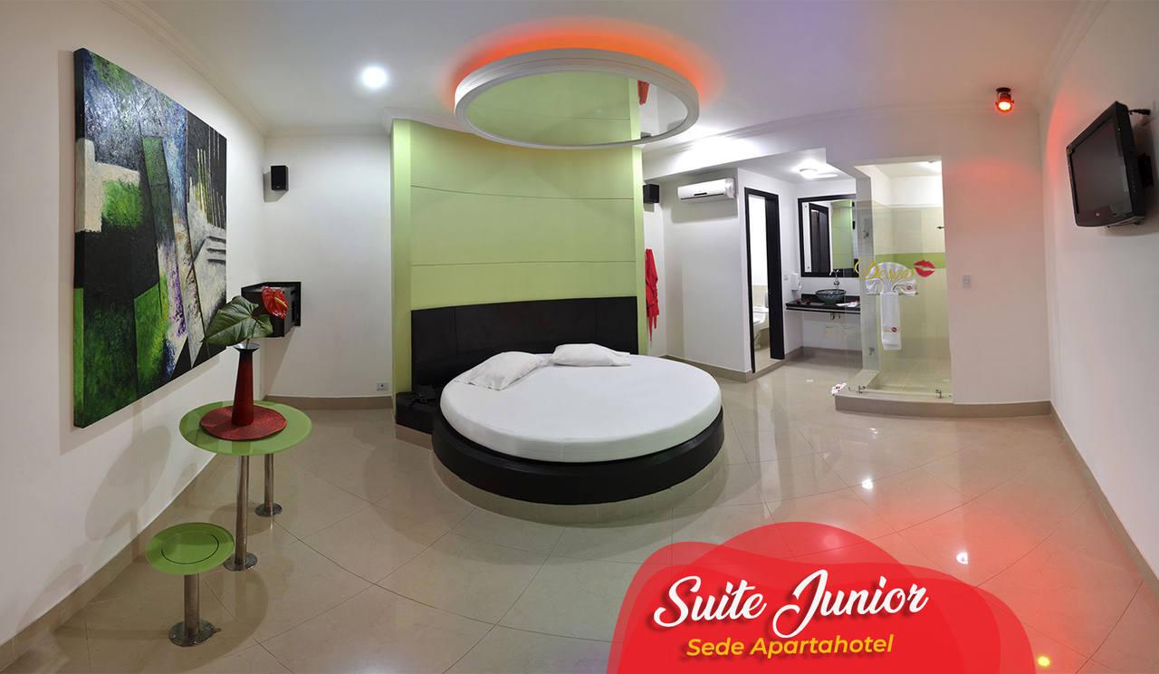Habitación Suite Junior  en Apartahotel Deseos : MotelNow