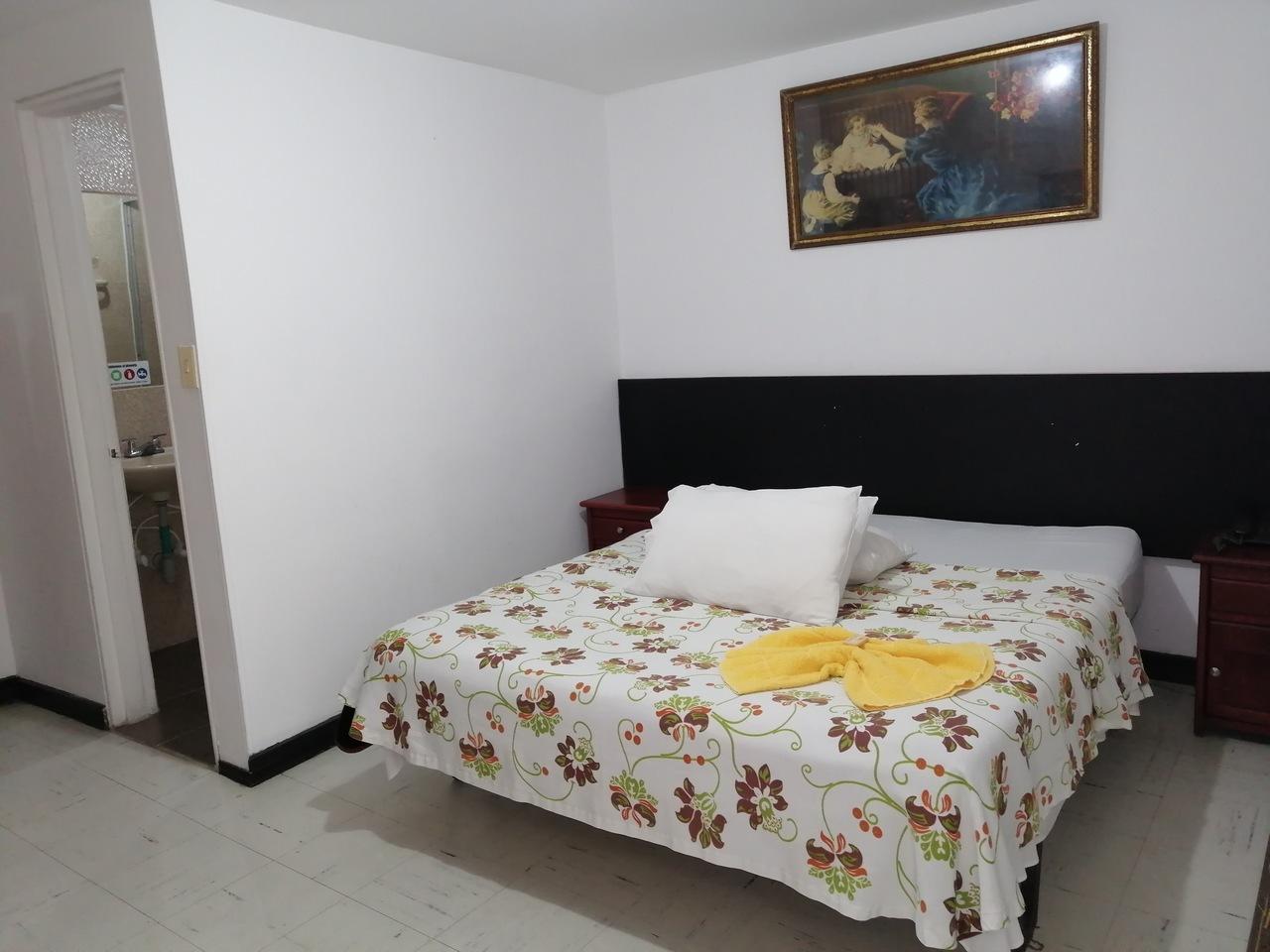 Habitación Matrimonial en Hotel Teusaca : MotelNow