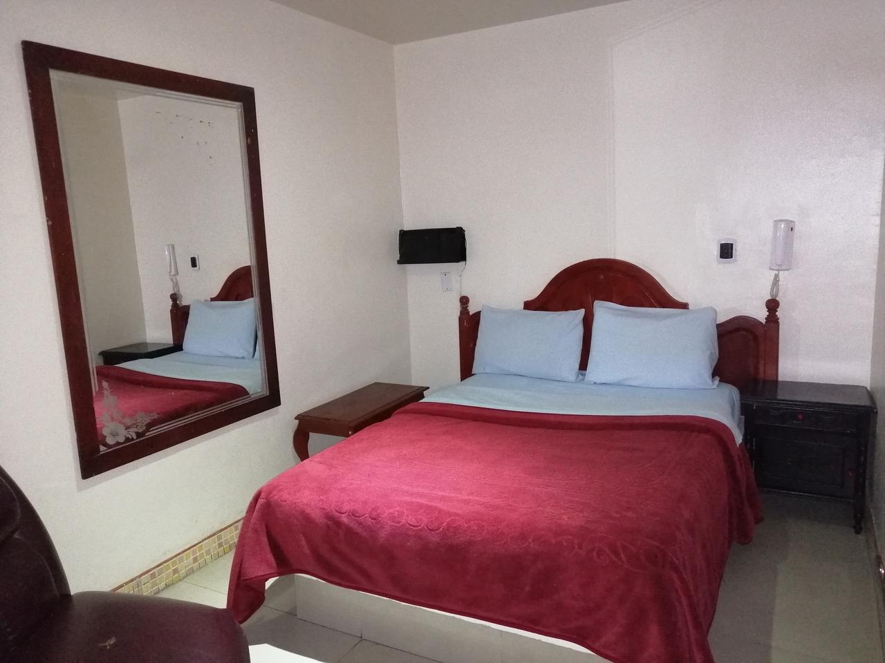 Habitación Sencilla en VLC Hospedaje : MotelNow