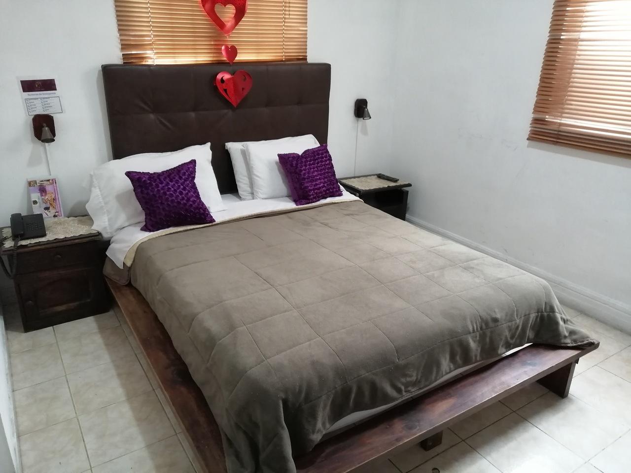 Habitación Sencilla en Eloina Hotel : MotelNow