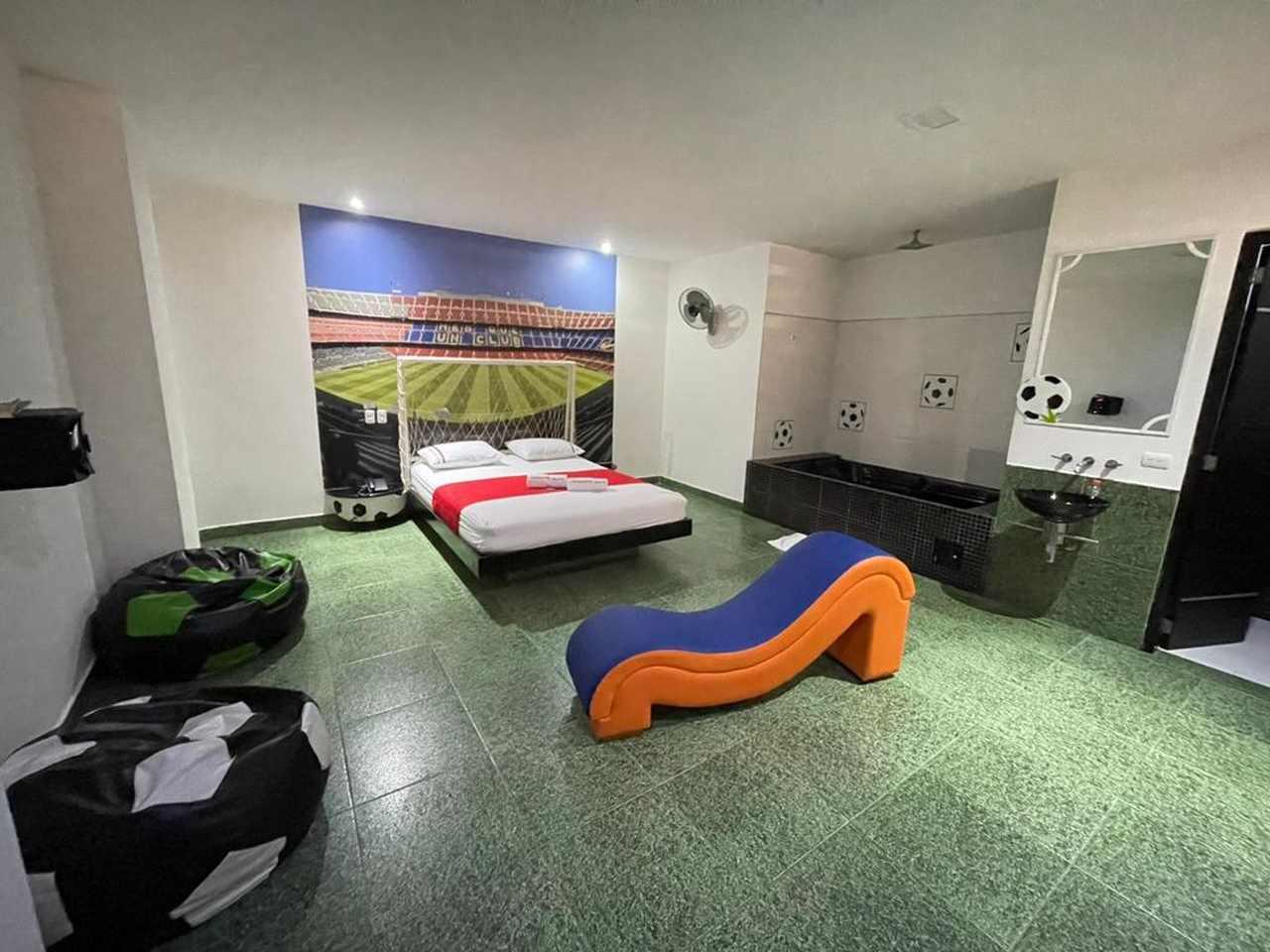 Habitación Bañera en Romantic Suites  : MotelNow