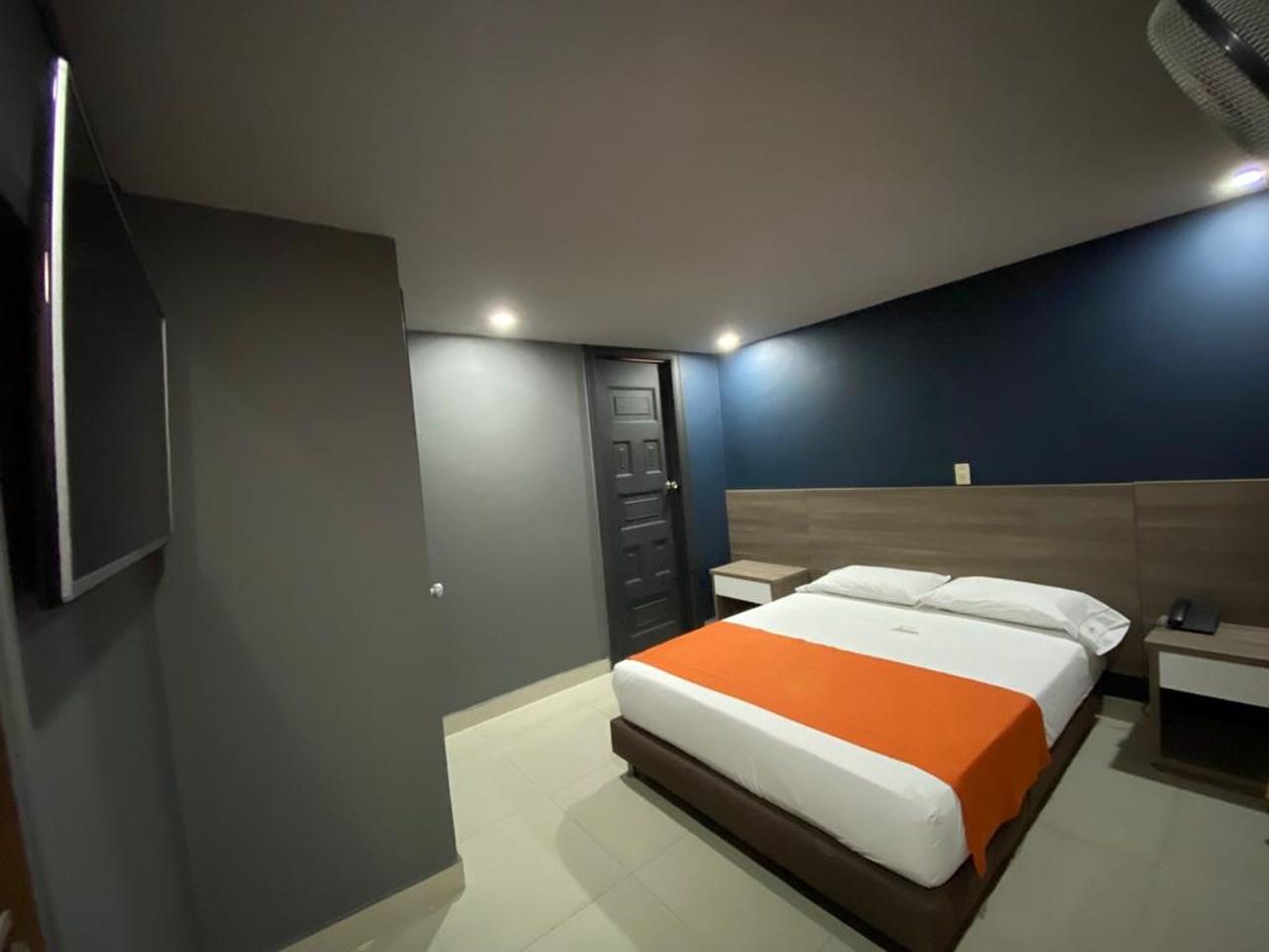 Hotel Latino en Centro - La Candelaria : MotelNow