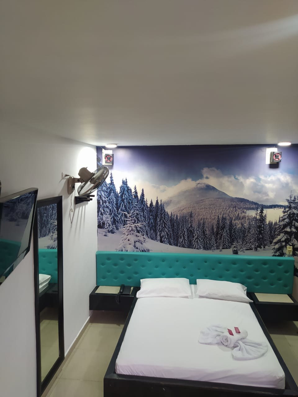 Country Hotel Medellín en Centro - La Candelaria : MotelNow