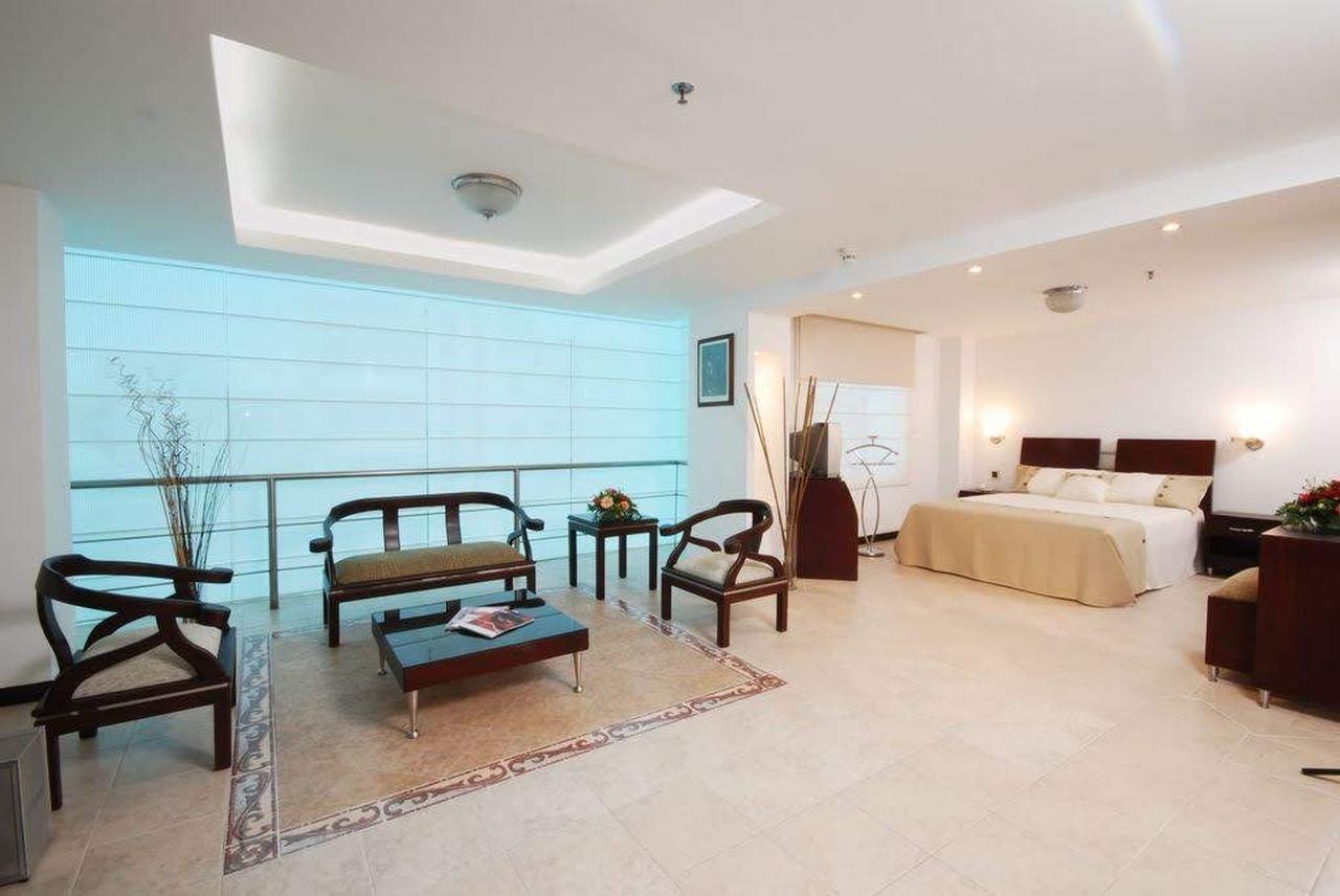 Hotel Plaza las Américas en Versalles : MotelNow